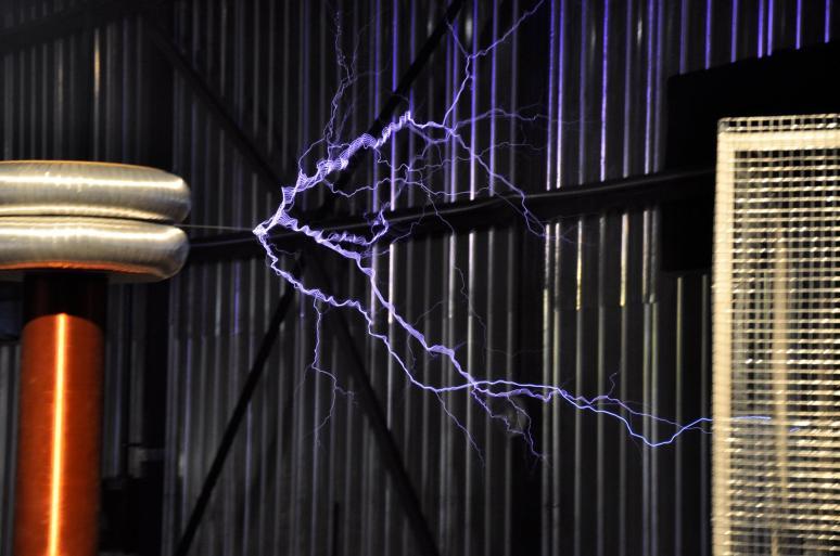 giant tesla coil bitva